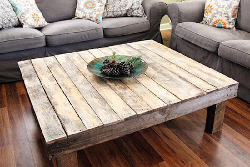 DIY Room Decor Tip #5 - Palette Coffee Table