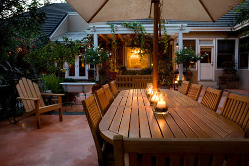How To Clean Wood Outdoor Furniture